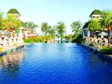 Bangkok **** 2/3éj és 7/9/12éj Graceland Resort & Spa **** Phuket